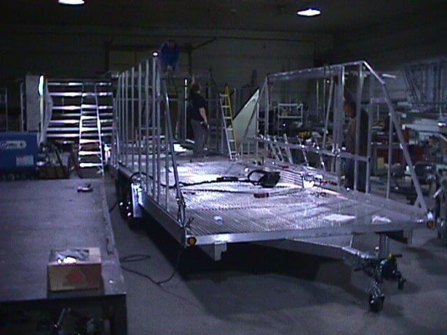 042 CON SIDEWALLS IN CONSTRUCTION